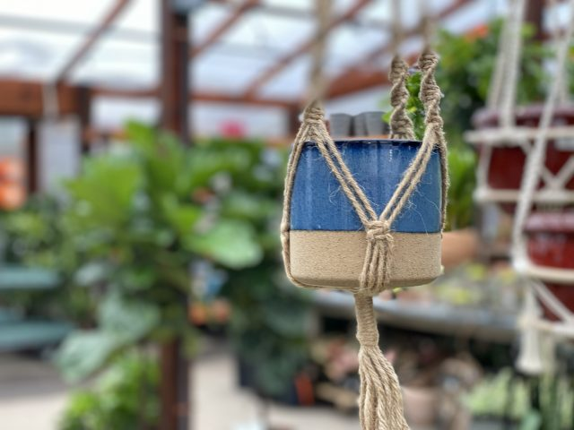 Hanging ceramic planter 5""
