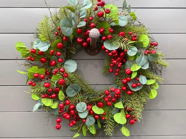 Wreath Berry & Eucalptus
