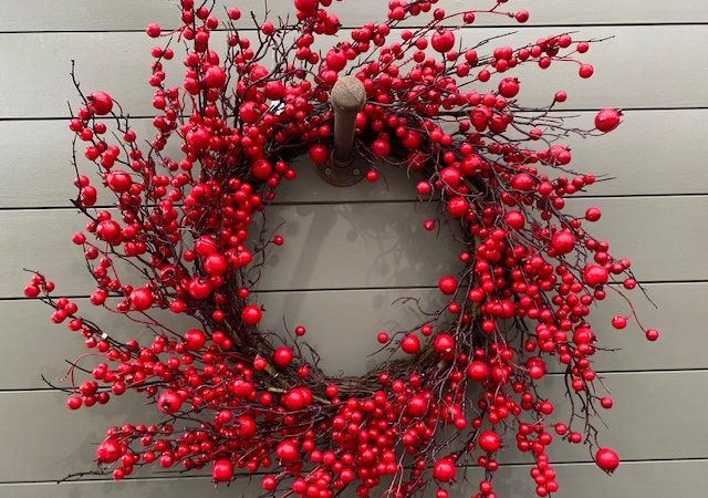 Wreath Berry & Rosehip